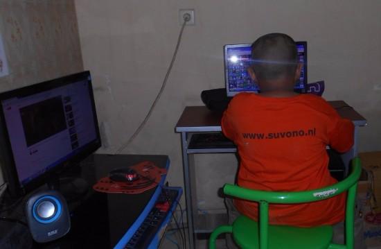 Foto 39 s 9 december 2016 een kijkje in de computer kamer van rumah impuls - Foto van ouderlijke kamer ...