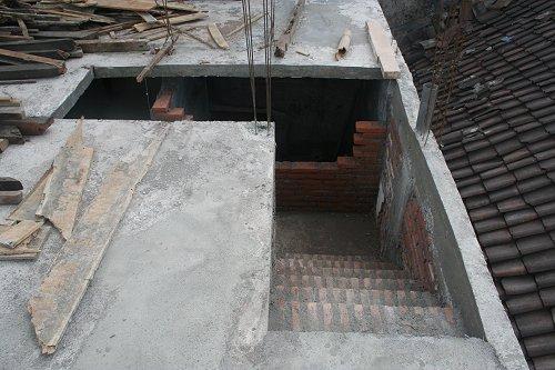 Foto 39 s augustus 2007 verbouwing rumah impuls in volle gang 4 - Beneden trap ...